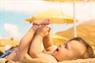 Cách tắm nắng cho trẻ sơ sinh hấp thụ vitamin D tốt nhất